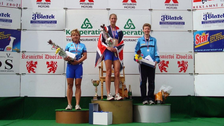 K. Polívková (CZE), H. Parkinson-Dyke (GBR), K. Burow (GER) at the Diamond Man Sedlcany (CZE) 2007 (c) M. Harenberg